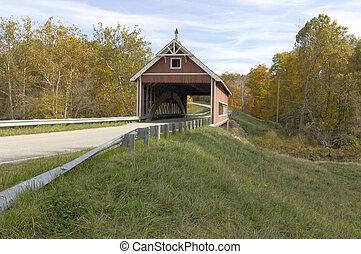橋, 北東, season., counties., 早く, 秋, カバーされた, オハイオ州