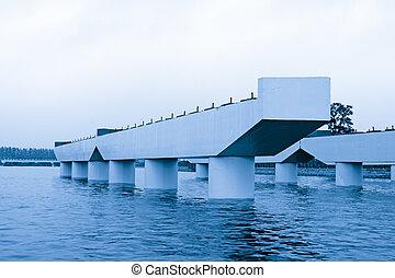橋, 建設すること, の間