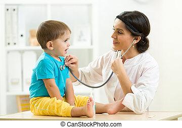 檢查, 很少, 醫生, 醫院, 男孩, 女性, 孩子