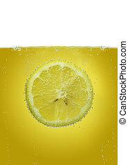 檸檬色的薄片, 在, 水