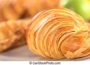 權利, 蘋果, croissant, 集中, (selective, 集中, croissant), 綠色的背景,...
