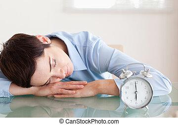 次に, 彼女, alarmclock, 机, 頭, 睡眠, 女性実業家, オフィス