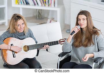 歌うこと, 一緒に, ギター, 楽しむ, 友人, 遊び