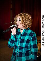 歌うこと, 女の子, ∥で∥, マイクロフォン
