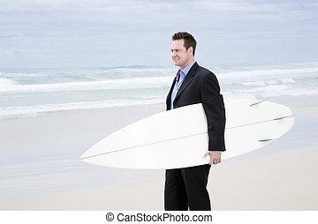 歩くこと, サーフボード, スーツ, 浜, 人
