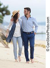 歩くこと, フルである, 恋人, 長さ, 前方へ, 浜, 光景