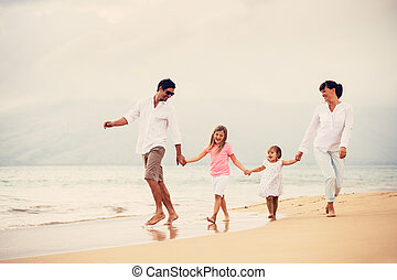 歩くこと, 家族, 日没, 楽しい時を 過しなさい, 浜, 幸せ