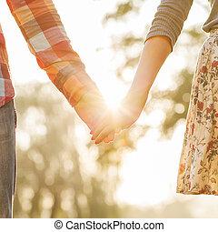 歩くこと, 愛, おお, 恋人, 公園, 若い, 秋, 手を持つ
