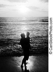 歩くこと, 父, 一緒に, 息子, 日没, 海