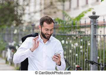 歩くこと, 電話, 間, 使うこと, 微笑の人, ハンサム