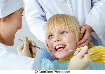 歯医者の, 健康診断