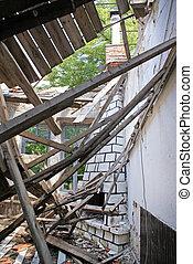 残物, 家, 後で, 地震