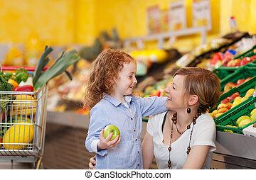 母親和女兒, 在, the, 食物, 部門