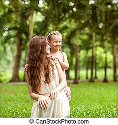 母親和女兒, 步行, 在, the