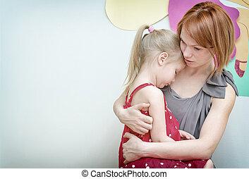 母親, 擁抱, 她, 悲哀, child.