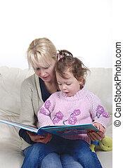母 と 娘, モデル, 中に, 反響室, 読む本