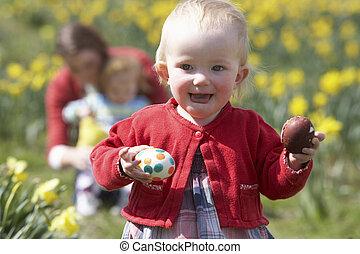 母 と 子供, 中に, ラッパズイセン, フィールド, ∥で∥, 飾られる, イースターエッグ