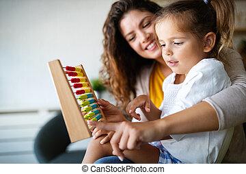 母, 女の子, 教育, 子供, わずかしか, 早く, かわいい, そろばん, 遊び