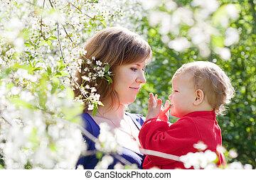 母, 子と一緒に, 中に, 春