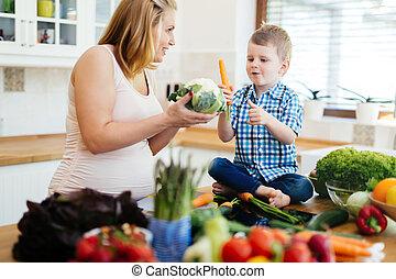 母, 息子, 食事, 準備, 妊娠した