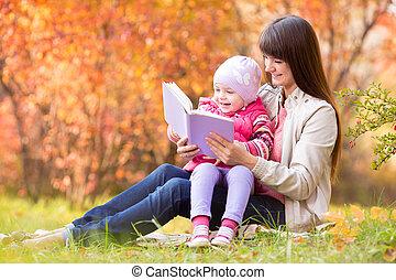 母, 本, 秋, 読書, 屋外で, 子供