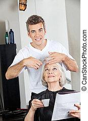毛の 切断, 大広間, 女性, hairstylist