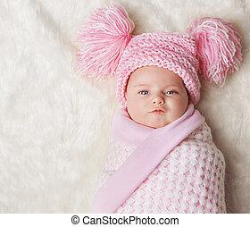 毛布, の上, 包まれた, 新生, 生まれる, 赤ん坊, 新しい, 女の子, 束にされた, 帽子, 子供