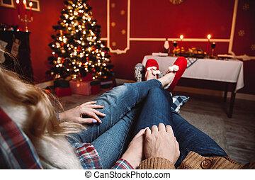 毛織りである, 休む, 恋人, 冬, room., 恋人, ソックス, フィート, time., 暖炉, クリスマス, 暖まること