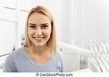 気持が良い, 歯医者の, 患者, 微笑, オフィス