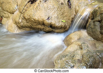 水流れ, 上に, 石