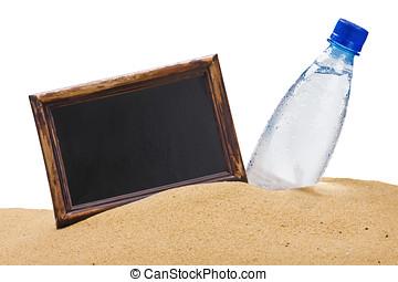 水的瓶子, 以及, a, 黑色, 板, 為, the, 正文