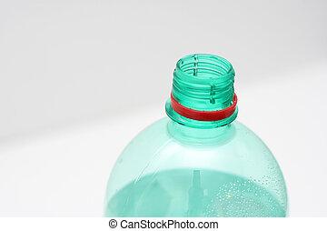 水, ビンに詰められた