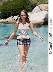 水, 動くこと, 女, 浜