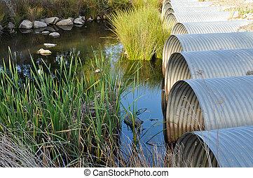 池, パイプ, 流れること, 緑, 排水