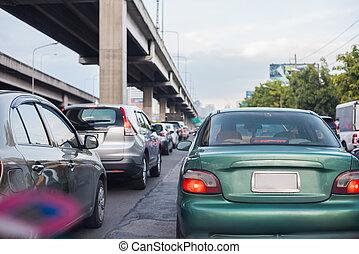 汽車, 上, 忙, 路, 在城市, 由于, 交通堵塞