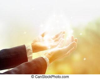 治愈, 环绕, 光, 老, 女性, 治愈, 带, 手, 打开, , 包围, 在以前, a, 怀特的圈子, 在中, 颜色,...
