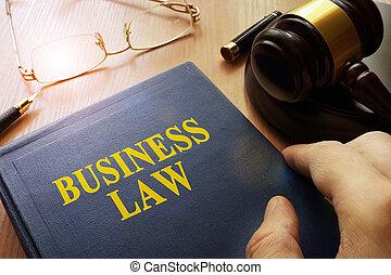 法律, ビジネス