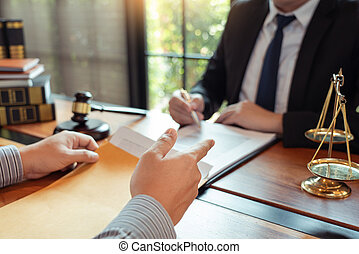 法的, 助け, 論じる, 契約, 弁護士, クライアント, 真ちゅう, 法廷, について, 相談, 立法, ペーパー, customer., スケール, 仕事, ∥(彼・それ)ら∥