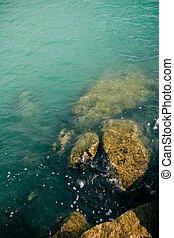 波, そして, 石