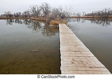 泥地, 上に, 湖, 板張り遊歩道, 小道