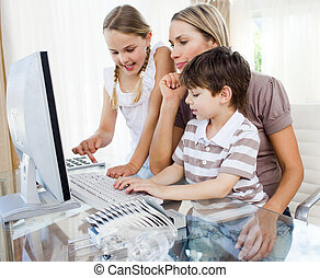 注意深い, 母, 教授, 彼女, 子供, いかに, へ, 使用, a, コンピュータ