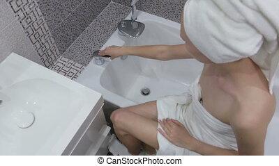 洗滌手, 水, 跑, 在下面, 肥皂