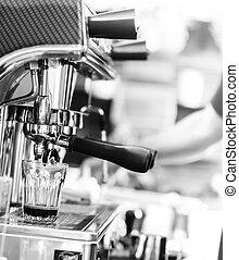 浓咖啡, 抽取, 从, 咖啡机器