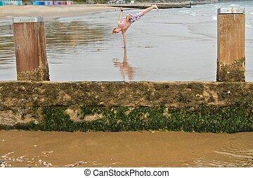浜の壊れ目, ダンス, 中に, ∥, ぬれた 砂