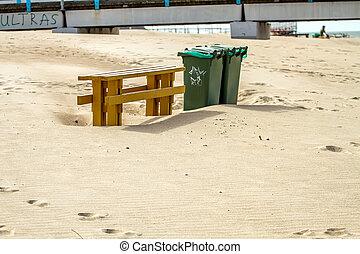 浜, ベンチ