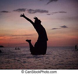 浜, リラックスした, 跳躍, シルエット, 人