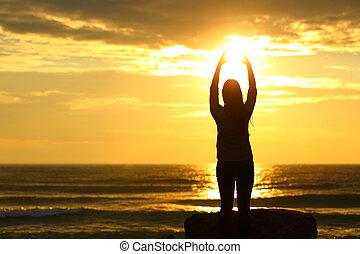 浜, 太陽, 女, 日没, 手を伸ばす