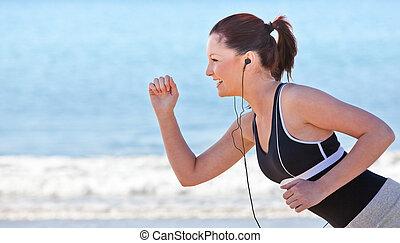 浜, 女性が走る, 若い
