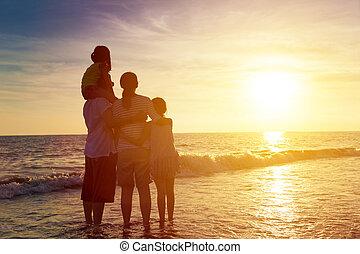 浜, 幸せ, 日没, 家族, 監視