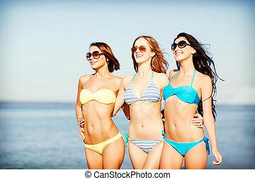 浜, 歩くこと, 女の子, ビキニ